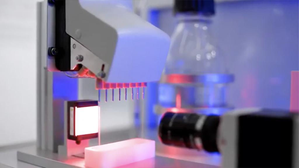 Controlling small amounts of liquids with media separated valves l SLS Partner Festo